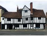 Repair and lime plastering/redecoration of an ale house in Maidstone